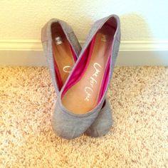 TOMS ballet flats TOMS denim ballet flats. Size 7. Excellent condition TOMS Shoes Flats & Loafers