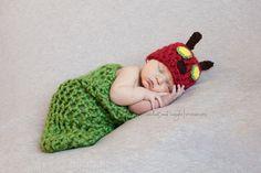 Crochet Hungry Caterpillar Crochet Baby Cocoon, Crochet Baby Sandals, Baby Girl Crochet, Newborn Crochet, Crochet Coaster Pattern, Crochet Headband Pattern, Chunky Crochet Scarf, Very Hungry Caterpillar, Newborn Session