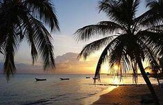 #MARGARITAENFOTO Feliz Domingo regalo de la bella isla caribeña llena de encantos…#Margarita Playa Punta Arena RT
