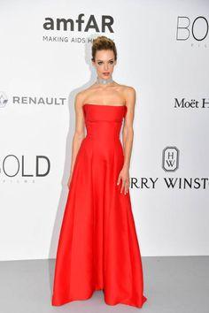 Hannah Ferguson in Alberta Ferretti #amfAR2017 #Cannes2017