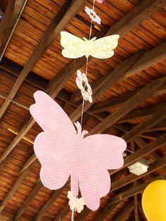 Butterfly decor I made for my daughters birthday party. Butterfly Garden Party, Butterfly Room, Butterfly Baby Shower, Butterfly Birthday, 1st Birthday Parties, Birthday Ideas, Twins 1st Birthdays, Butterfly Decorations, Vertical Gardens