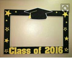 Photo booth frame for taking photos at graduation party - Decoration For Home 5th Grade Graduation, Graduation Crafts, Kindergarten Graduation, Graduation Decorations, Graduation Year, Graduation Picture Frames, Graduation Pictures, Party Frame, Photos Booth