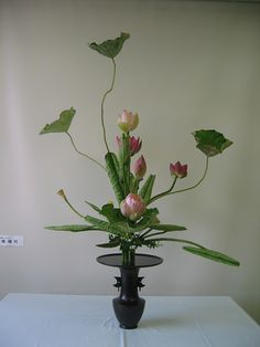 立花 | いけばな池坊-大嶋晴代教室 Ikebana Arrangements, Ikebana Flower Arrangement, Flower Arrangements Simple, Flower Vases, Flower Show, Flower Art, Flowers Nature, Beautiful Flowers, Colorful Flowers