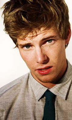 """Hunter Parrish [] On not getting role of Peeta Mellark: """"regardless of whether I'm part of the film or not, I feel honored to just sort of be thought of."""""""