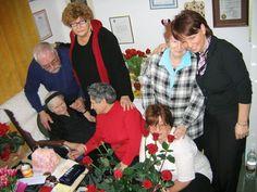 A vida de Irena só iria mudar quando as 4 jovens americanas de Uniontown, no Kansas, contataram-na. Irena vivia, à época, em um lar de idosos, em Varsóvia, presa a uma cadeira de rodas, seu souvenir da Gestapo. Nos últimos anos, Elzbieta Ficowska, menina a quem salvara aos 5 meses de idade, ajudava a cuidar dela.