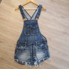 eda6c3e6f07 American Eagle Outfitters Women s Denim Overall Shorts Blue Size XS  fashion   clothing  shoes