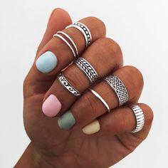 👇 Etiqueta a una amiga que eches de menos y recuerdale cuanto la quieres 😍 y de paso que te regale alguno😏 | Anillo BLE, ANK, SAMUD, ATA,… Piercing Ring, Piercings, Boho Necklace, Necklaces, Bracelets, Cute Jewelry, Jewlery, Meraki, Boho Rings