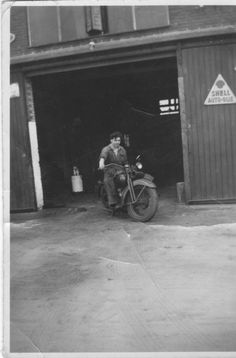 Someren garage Linden Jo Gehem op Motor.