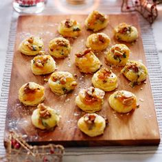 Streamline Apricot Jam And Stilton Canapes Recipe: Cook Vegetarian Magazine Canapes Recipes, Appetizer Recipes, Appetizers, Party Recipes, Christmas Canapes, Christmas Nibbles, Christmas Lunch, Christmas Cooking, Finger Foods
