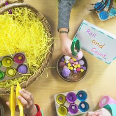 Provocation roll the die, count the pompoms place in egg shell Easter Craft Activities, Easter Crafts, Numeracy, Kindergarten Classroom, Egg Shells, Count, Preschool, Children, Young Children