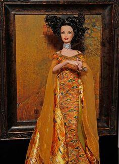 If It's Hip, It's Here (Archives): Mattel Releases New Fine Art Dolls. The DaVinci, Van Gogh & Klimt Barbies. New Barbie Dolls, Barbie Dream, New Fine Arts, Most Famous Artists, Barbie Collector, Gustav Klimt, Museum Collection, Vintage Dolls, Beautiful Dolls