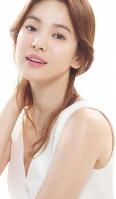 Asian Most Beautiful Women Song Hye-kyo Biography. Song Hye Kyo, Korean Beauty, Asian Beauty, Everyday Make Up, Light Contouring, Hot Japanese Girls, Asian Makeup, Asian Celebrities, Face Expressions