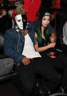XXXTentacion rocked a black & white mask to the 2017 BET Hip-Hop Awards Friday night. XXXTentacion is one of the most polarizing names in the rap game. From his controversial videos & songs to shaving his eyebrows and dying his hair various colors, his latest being silver, the fast-rising South ...