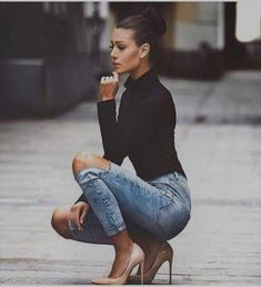 How to wear jeans with heels classy ideas Jeans With Heels, Sexy Jeans, Mode Outfits, Casual Outfits, Casual Heels Outfit, Classy Jeans Outfit, Heels Outfits, Fall Outfits, Mode Jeans