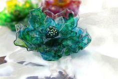 Upcycled plastica bottiglia portatovagliolo, turchese, rosso, arancione, giallo, verde o impostare blu, arte riciclata, fiore, decorazione della tavola, arredamento casa