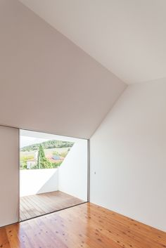 Gallery of Three Courtyard House / extrastudio - 3
