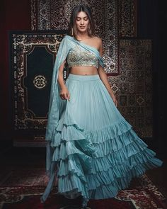Indo-Western Dress Ideas For Brides To Rock Their Engagement Outfits - Indo-Western Dress Ideas For Brides To Rock Their Engagement Outfits Engagement ? Source by akankshyalavani - Indian Gowns Dresses, Indian Fashion Dresses, Dress Indian Style, Indian Designer Outfits, Boho Fashion, Groom Fashion, Fashion Hats, India Fashion, 80s Fashion