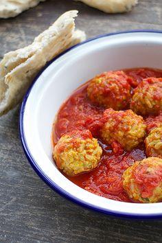 "Vegetarian ""meatballs"" in tomato sauce - Labna"