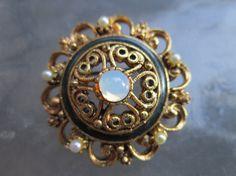 Florenza vintage filigree brooch  estate jewelry