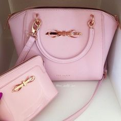 Cute Micheal Kors Pink Purse