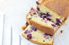 Ik wilde al een hele tijd een keer een yoghurt cake proberen te maken, maar elke keer kwam het er maar niet van. Tot vandaag, ik besloot weer eens wat lekkers te bakken en deze cake stond toch wel …
