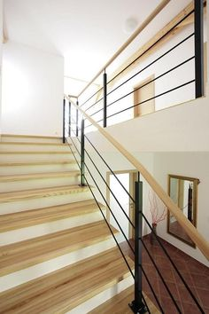 Stairs, Home Decor, Laminate Hardwood Flooring, Reinforced Concrete, Narrow Rooms, Spiral Staircases, Hand Railing, Carpentry, Ladders