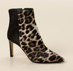 Feminität und Eleganz strahlt diese Stiefelette der Marke Konstantin Starke aus!