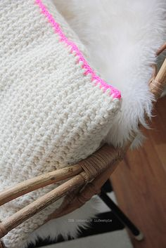 CCC :: chunky crochet cushion by IDA interior lifestyle - double crochet with two strands of yarn together