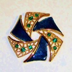 957~Vintage Goldtone Blue Guilloché Enamel Green Rhinestone Pinwheel Brooch Pin*