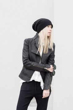 Black & White (picture by Figtny) Classy Outfits, Outfits For Teens, Trendy Outfits, Low Waist Jeans, Loose Fit Jeans, Trendy Plus Size Clothing, Plus Size Outfits, Boyish Style, My Style