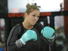 http://ftw.usatoday.com/2014/07/ronda-rousey-ufc-175-16-seconds-gif