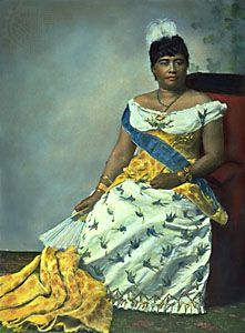 Liliuokalani, the first and only reigning Hawaiian queen and the last Hawaiian sovereign to govern the islands, which were annexed by the United States in by Pan-African News Wire File Photos Hawaiian Queen, Queen Of Hawaii, Hawaiian Art, Women In History, Black History, Hawaiian Monarchy, Aloha Hawaii, Vintage Hawaii, Thinking Day