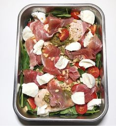 Kylling i form med spinat, spekeskinke og mozzarella — Hege Hushovd Real Food Recipes, Diet Recipes, Snack Recipes, Cooking Recipes, Healthy Recipes, Food N, Good Food, Food And Drink, Yummy Food