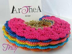 TRILLY ♥ colori verde fluo - turchese - rosa fuxia - giallo - blu elettrico - arancio fluo ♥ Collana in cotone italiano crochet, catena e finiture metallo dorato Pz. 18 € + spese spediz. -------------------------     Per qualsiasi richiesta o informazione invia una mail a : info@artheadesign.it           oppure visita la nostra pagina FB :      http://www.facebook.com/pages/ArTheA-design-gioielleria-e-preziosi/179827542037207?sk=photos_albums