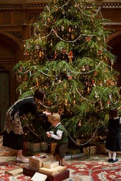 Downton Abbey Christmas special 2014, Lady Mary + George