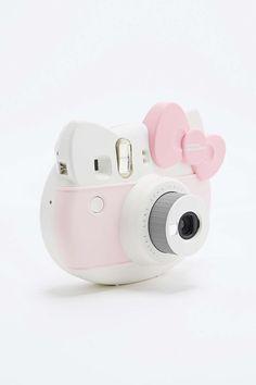 Besoin d'un cadeau original et kawaii pour une amie spéciale ? Offrez-lui ce polaroïd Hello Kitty ultra girly.