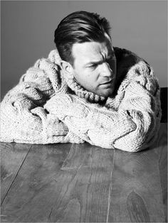 Ewan McGregor... I'd like to knit him a sweater, lol