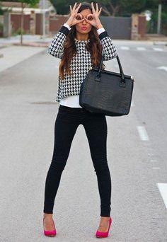 Presume esos #zapatos rojos que tanto te gustan y combínalos con estas #Ideas que te sorprenderán. #Outfit #Viernes #OutfitIdeas #ZapatosRojos #Casual #Moda #Fashion