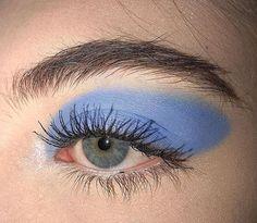 Omg loving the solid color eyeshadows so simplistic Eyeshadow For Blue Eyes, Eyeshadow Tips, Blending Eyeshadow, Eyeshadow Looks, Colorful Eyeshadow, Eye Makeup, Makeup Art, Beauty Makeup, Hair Beauty