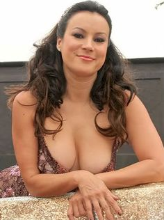 Ms. Jennifer Tilly