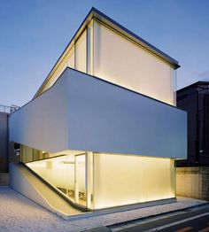minimalist japanese house design with curtains. Loving this light box.