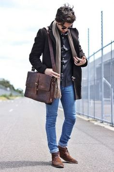Brown Suede Desert Boots Boots Dark Brown Trench Coat Hemishere Coat Blue Skinny Jeans Sparks Jeans