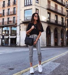 Black top outfits, casual outfits, semi casual outfit women, semi for Mode Outfits, Trendy Outfits, Fashion Outfits, Womens Fashion, Black Top Outfits, Fashion Ideas, Europe Outfits, Fashion Trends, Fashion Clothes