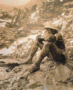 This captures the horrors of WWI perfectly.  As we approach the hundredth anniversary we would do well to remember.