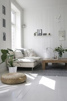 Having small living room can be one of all your problem about decoration home. To solve that, you will create the illusion of a larger space and painting your small living room with bright colors c… Small Living Room Layout, Small Living Rooms, Home Living Room, Apartment Living, Living Room Designs, Living Room Decor, Living Spaces, Söderhamn Sofa, Design Scandinavian