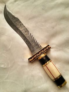 Hey, I found this really awesome Etsy listing at https://www.etsy.com/listing/151602161/damascus-steel-handmade-knife-dagger
