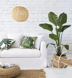 Elle Decor Tips give us the best interior design trends to look out for to help you stay ahead of the curve in Interior Tropical, Tropical Home Decor, Tropical Houses, Tropical Furniture, Interior Plants, Ikea Interior, Apartment Interior, Scandinavian Interior, Bedroom Apartment