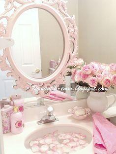 My Shabby Chic Home ~ Romantik Evim ~Romantik Ev: Romantik ev:My bathroom-shabby chic pembe beyaz