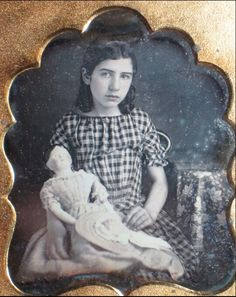 1 6 PL Daguerreotype Seated Girl Holding A Large Papier Mache Doll Victorian Photos, Victorian Dolls, Antique Photos, Vintage Photographs, Antique Dolls, Vintage Dolls, Vintage Images, Victorian Portraits, Old Pictures