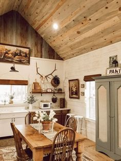 Small Home Interior .Small Home Interior Kitchen Dinning, Home Decor Kitchen, Home Kitchens, Kitchen Design, Dining, Up House, Cozy House, Sweet Home, Western Kitchen